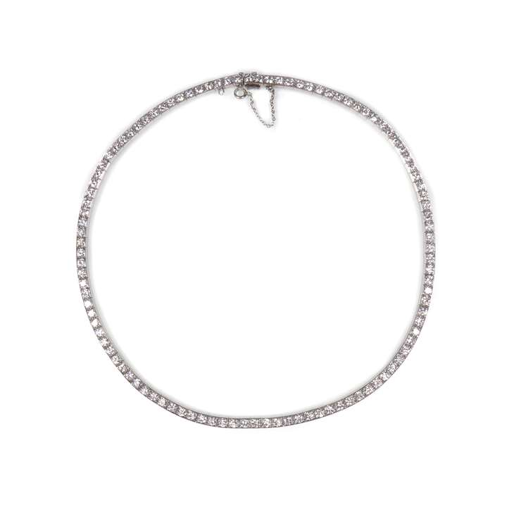 Diamond line necklace, box collet set in platinum with 105 uniform round brilliant cut diamonds